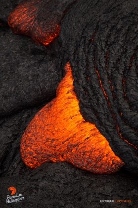 The lava activity continues closer to Pu'u 'O'o Vent.