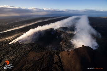 Stiff winds from the north flattened Pu'u 'O'o's plume, and blew it out to sea.